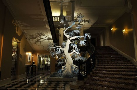 claridge-christmas-tree-dior-468x310